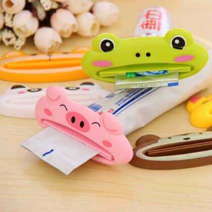 Toothpaste Squeezers Cartoon Toothpaste Extruder Squeezer Cleanser Squeezer Dispenser Rolling Holder Bathroom Accessories